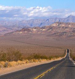 death-valley-road