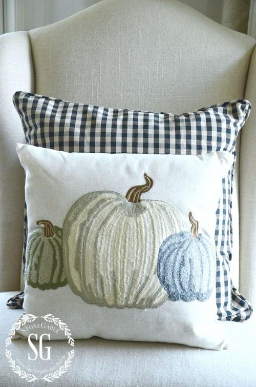 FALL PILLOWS- three pumpkins-stonegableblog.com