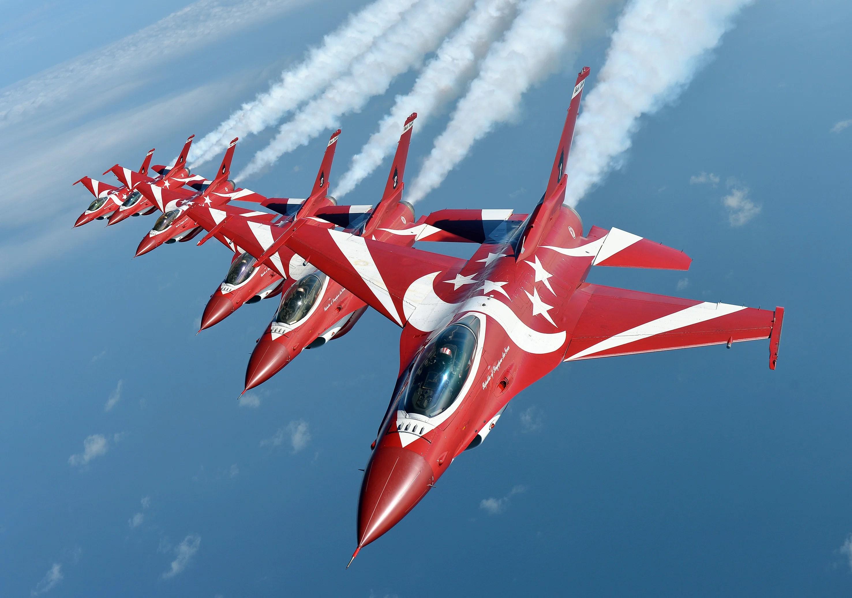 авиация самолет желтый F-16 Fighting Falcon  № 3755633 без смс