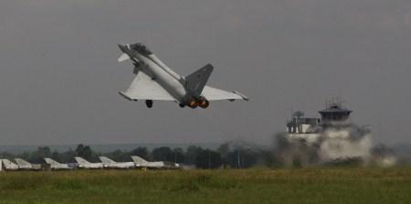 An RAF Eurofighter Typhoon taking off from IAF Kalaikunda.