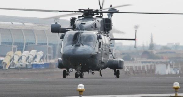 Images: Indian Navy Dhruv ALH flies for #IndNavAir60