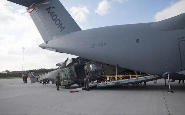 36. A400M Loading NH90