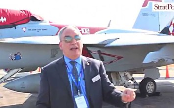 Video: US Navy Boeing F/A-18 Super Hornet at #LIMA2015