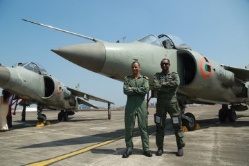 Incoming CO of INAS 300 Captain KHV Singh with outgoing CO, Commander Shikku Raj | Photo: StratPost