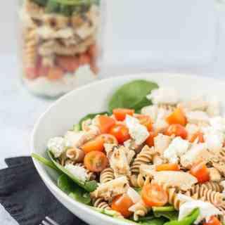 [ad] Layered Chicken Caprese Salad in a Jar