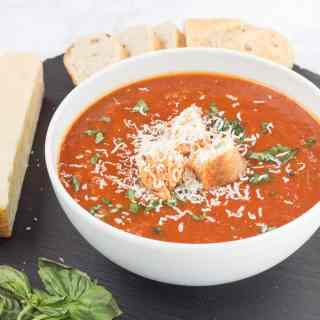 Slow Cooker Roasted Red Pepper and Tomato Soup