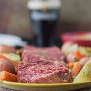 Slow Cooker Corned Beef with Cabbage and Potatoes