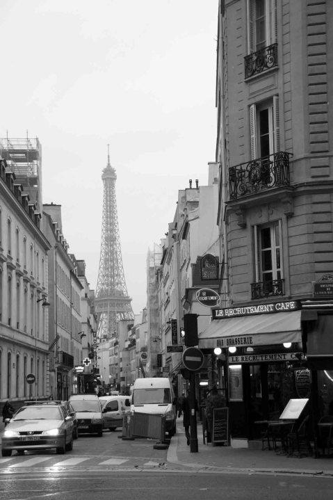Eiffel Tour in the Rain