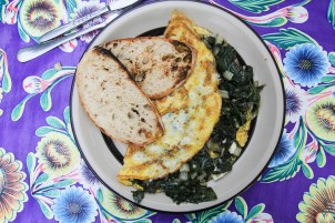 Omlette w spinach and feta