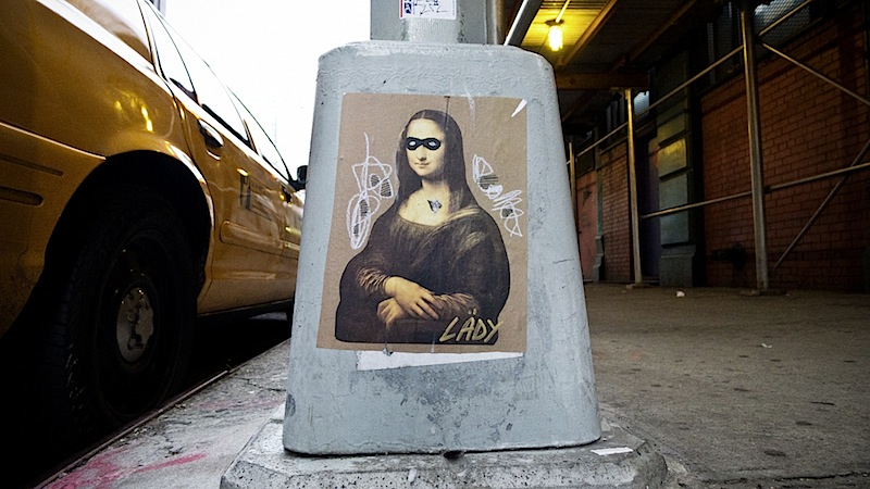 lady_mona_lisa_street_art_in_nyc.jpg