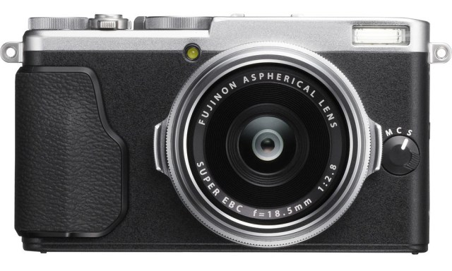 Fuji X70 Street Photography Review - Silver