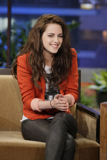 Kristen-Stewart-Wears-Flat-Shoes-Talks-Twilight-Breaking-Dawn-Part-2-Tonight-Show-Jay-Leno