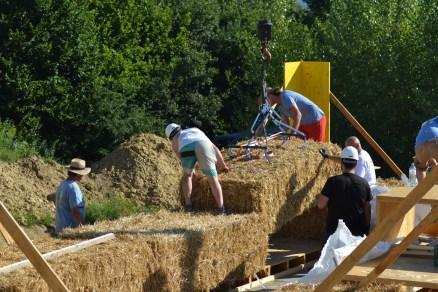 STEP-3-Lasttragender-Strohballenbau-Workshop-227