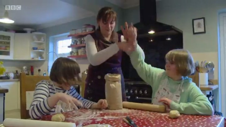 """Oh, children!"" Kate laughs, before the camera is turned off and she sets them to Aga-based child labour afresh."