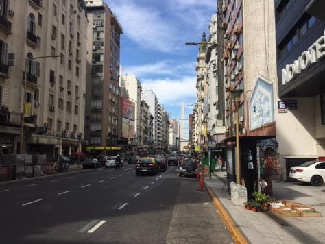 L'obélisque de Buenos Aires a perdu sa pointe !