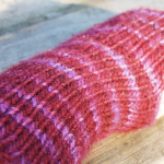 DIY: Pattern for simple knit wristwarmers