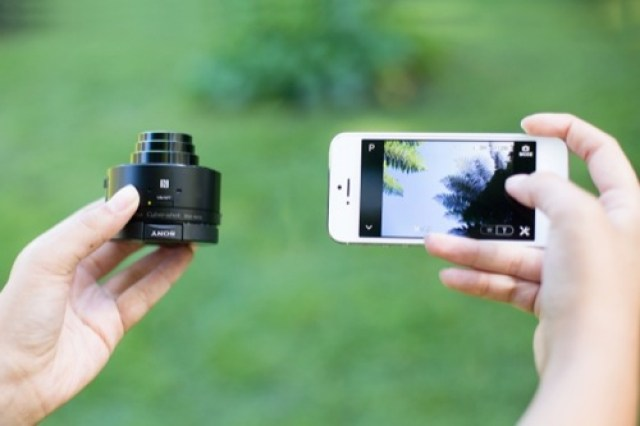 Sony-QX10-and-QX100-Smartphone-Lenses-1