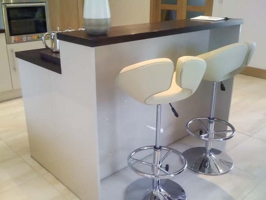 Cream-High-Gloss-Kitchen-3-Stylecraft-Kitchens-and-Bedrooms-Cork