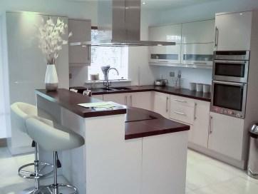 Cream-High-Gloss-Kitchen-4-Stylecraft-Kitchens-and-Bedrooms-Cork