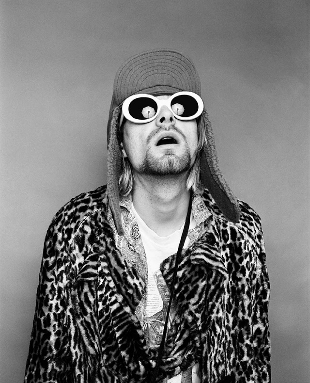 Kurt-Cobain-Sunglasses-blCK-AND-WHITE