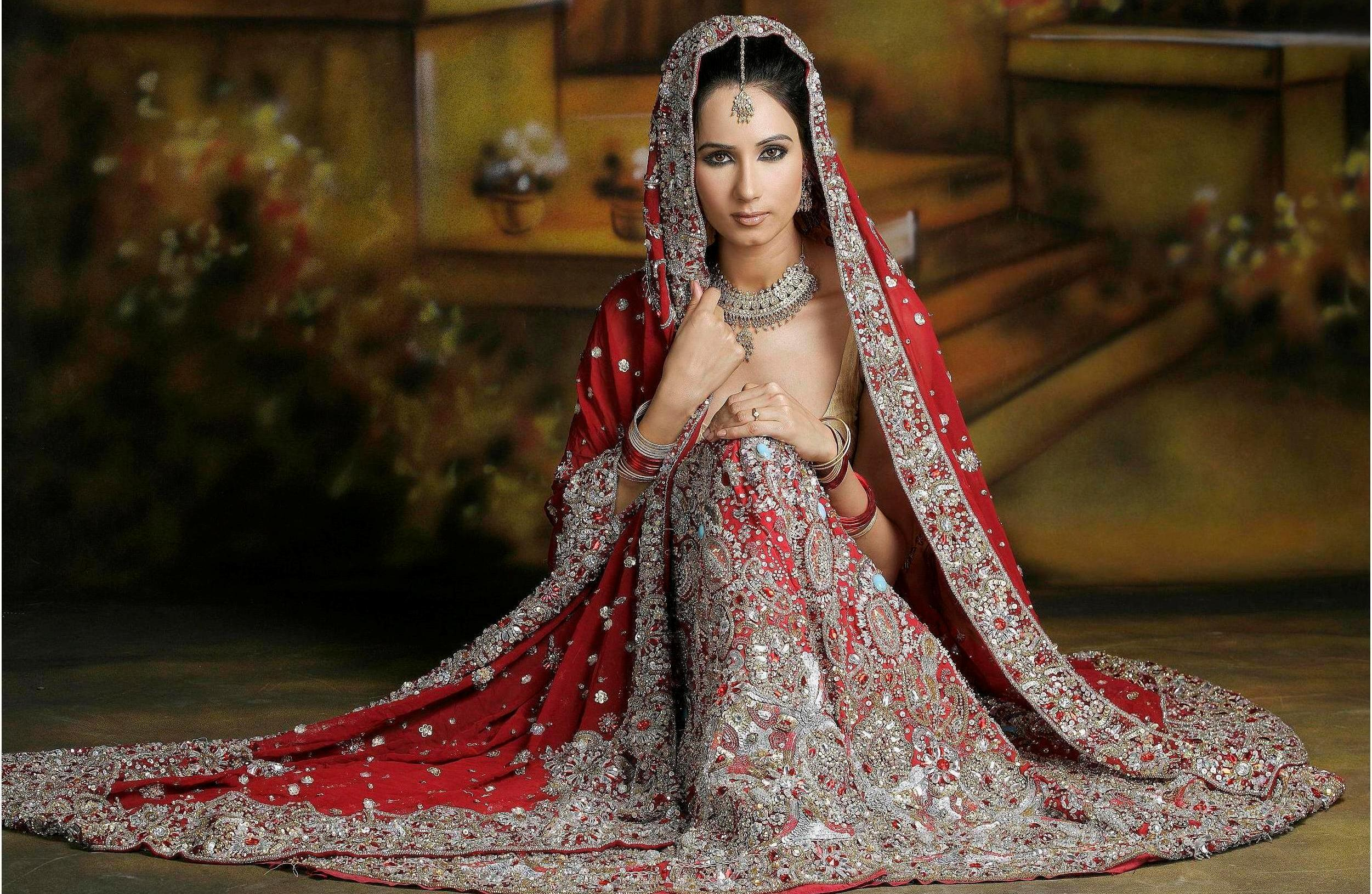 indian bride wedding dress online indian wedding dresses online Indian Bridal Dresses Adding Charm To Your Special Day