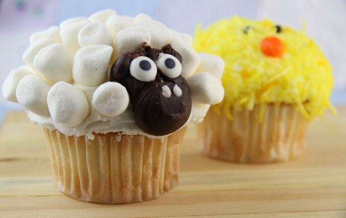 Lamp and Baby Chick Cupcakes