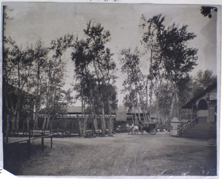 During the early 1900s, Riverside Park in Boise, Idaho was a major recreation venure (nd)