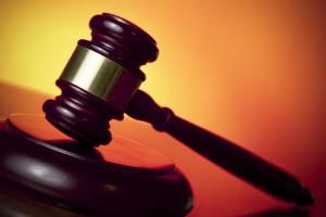 محاكمة محاسب بالإمدادات الطبية بتهمة الإختلاس