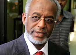 كرتي يوجه بالتحقيق في حادثة اعتداء على سوداني بقنصلية جدة