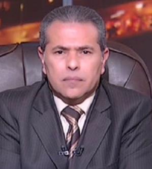 فيديو لوالدة توفيق عكاشة يثير الجدل على فيسبوك