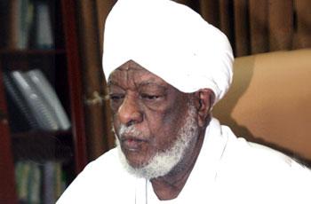 رئيس هيئة علماء السودان يترافع