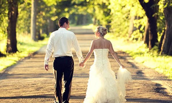 احذري الزواج من شاب أصغر منك سناً!