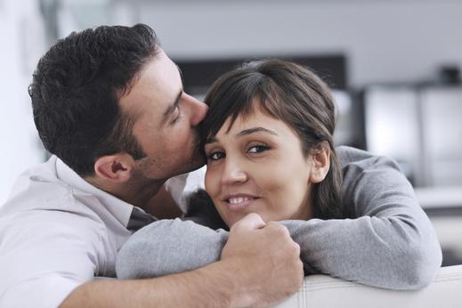 7 أشياء صغيرة تقوم بها النساء لا يكتفي منها الرجال