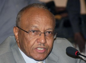 وزير الصحة بالخرطوم يفتح النار على الصحافيين .. اصحاب غرض ويكتبون بدون دراية !
