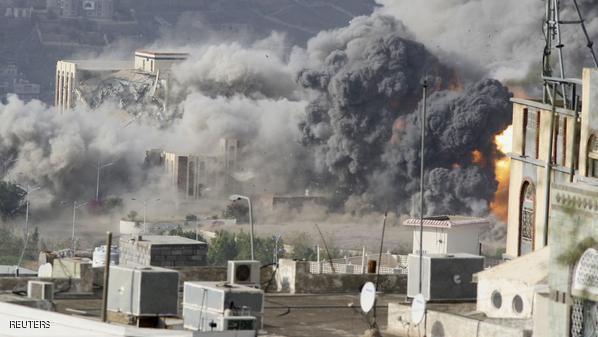 اليمن.. استهداف مواقع للحوثيين في مأرب وتعز
