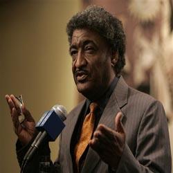 وفد رئاسي مصري يزور سفارة السودان بالقاهرة لنقل تهانىء الرئيس السيسى للرئيس البشير بمناسبة الاستقلال