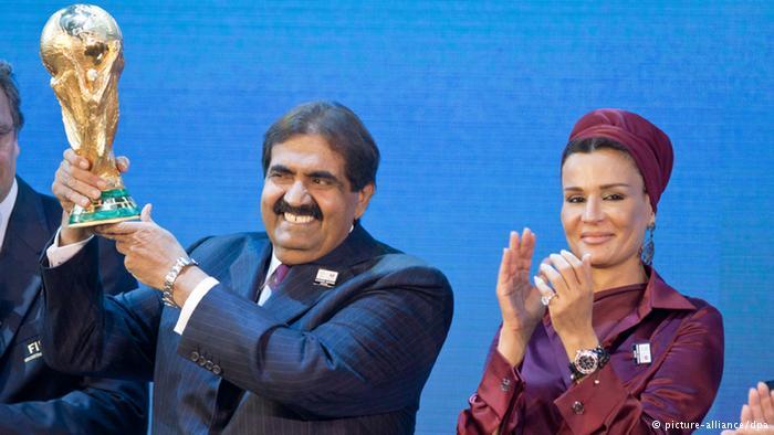 جدل في سويسرا بعد خرق حظر الطيران الليلي خلال استقبال والد أمير قطر