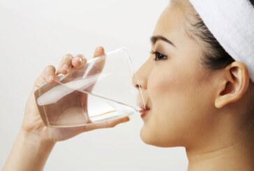شرب 8 أكواب من الماء في اليوم… خرافة؟!