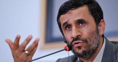 إيران.. أحمدي نجاد مهدد بالاعتقال بعد سجن مساعديه