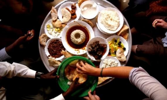 6 أصول لحضور دعوات الإفطار