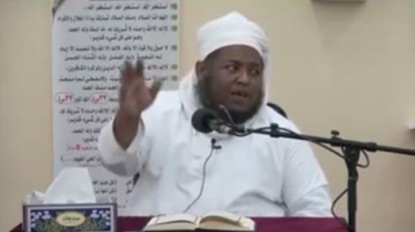 بالفيديو: داعية يتحدث بحماسة عن تعدد الزوجات ثم يتفاجأ بالحضور النسائي