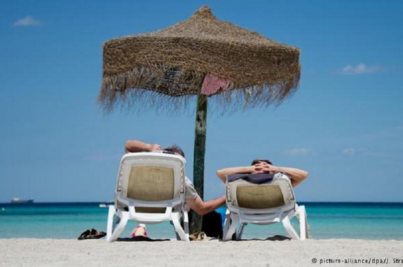 لماذا نمرض كثيراً أثناء الإجازات بالذات؟