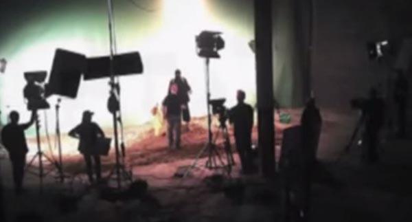 استديو يفضح عمليات تصوير اعدامات داعش باشراف هوليوودي
