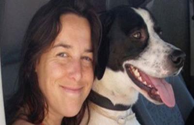 بالصور: تزوجت من كلبها بعد وفاة زوجها الأول القط