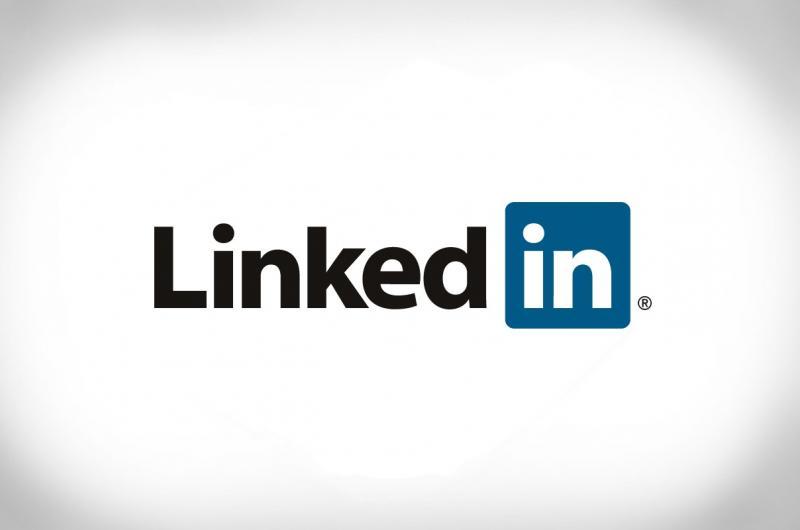 لماذا يجب أن يكون لديك حساب على موقع LinkedIn ؟