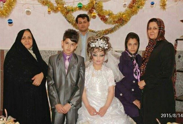 شاهد بالصور.. زواج في إيران العريس 14 عاماً والعروسة 10 D1198b85-558f-4f00-951e-b1d17f1316ed