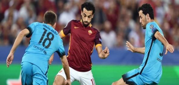 برشلونه يتعادل مع روما في الأوليمبيكو.. وهدف خرافي لفلورينزي من نصف الملعب