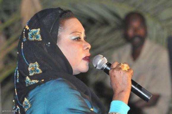 سميرة دنيا تغني للوطن في أعياد الاستقلال