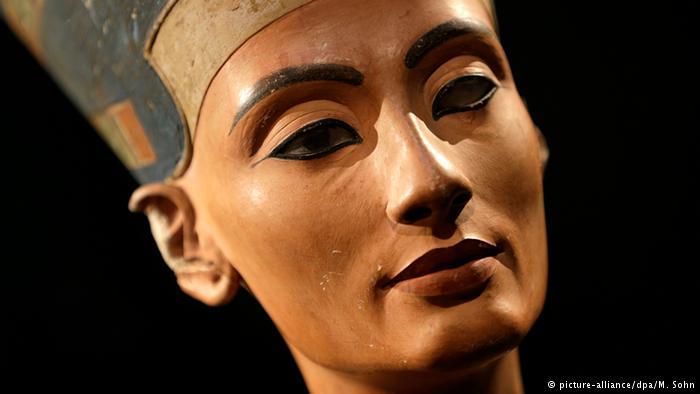 هل اقترب العلماء من اكتشاف مقبرة الملكة نفرتيتي؟