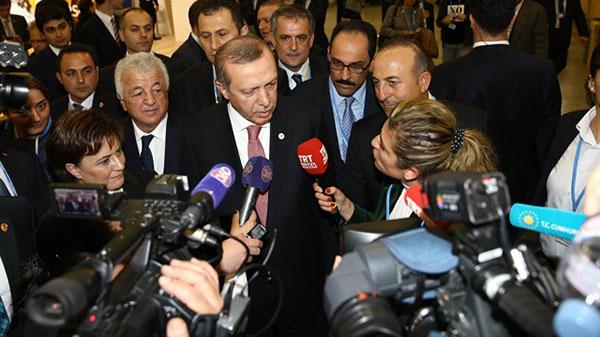 كيف رد الرئيس التركي على مراسل روسي طرح سؤال حول علاقة تركيا بداعش؟ بإشارة واحدة فقط..!